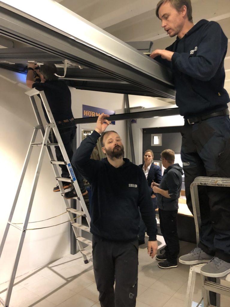 Montering Solarlux vinterhage i utstilling hos Gulli Trevarefabrikk